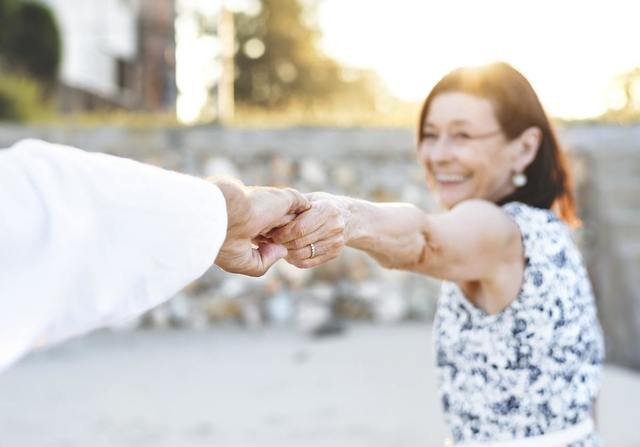 高齢者向けビジネスで起業する際に必要なシニアマーケティングとは?