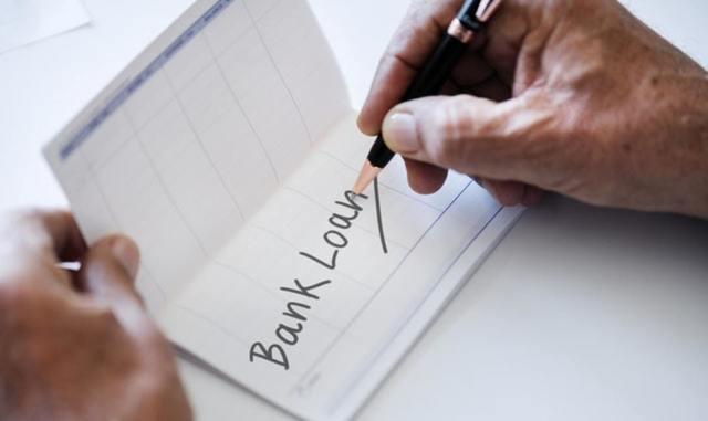 開業資金の融資を受けたい―日本政策金融公庫と民間金融機関との比較も