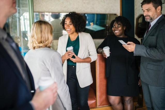 起業家なら絶対に参加したい異業種交流会の参加のメリットとは?
